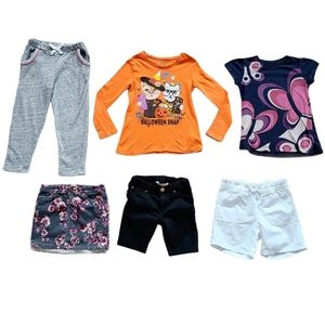 Lot of Girl's Tops Shorts Skirt & Joggers Size 5/6